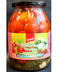 Pickled cherry tomatoes with garlic